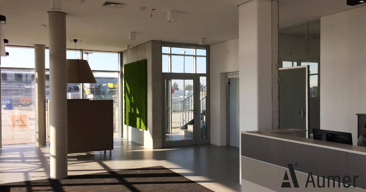 B ro und inneneinrichtung der neuen aumer firmenzentrale for Architektenhauser inneneinrichtung