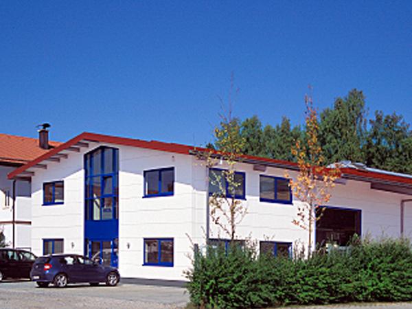 Aumer Gewerbebau Referenz: Mega-Form GmbH, Valley