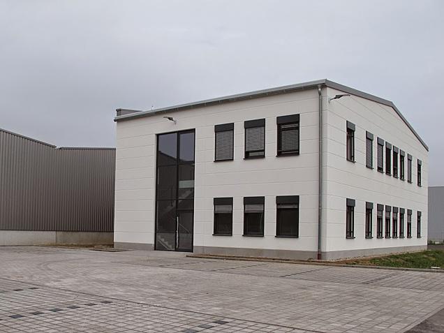 Aumer Gewerbebau Refererens Simson Verwaltungs GmbH