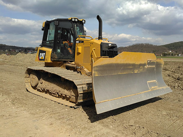 Aumer Group - Fuhrpark - Caterpillar Kettendozer