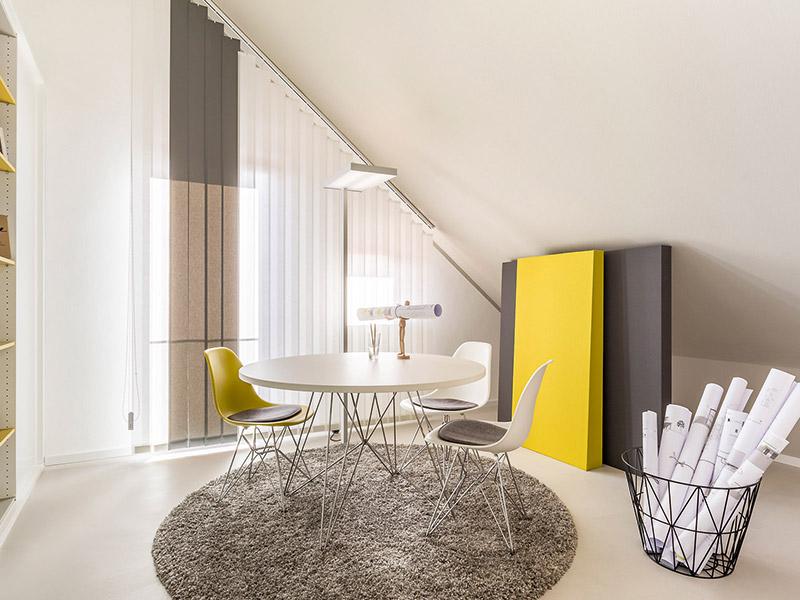 Blick in das Design des Arbeitszimmers im Musterhaus München
