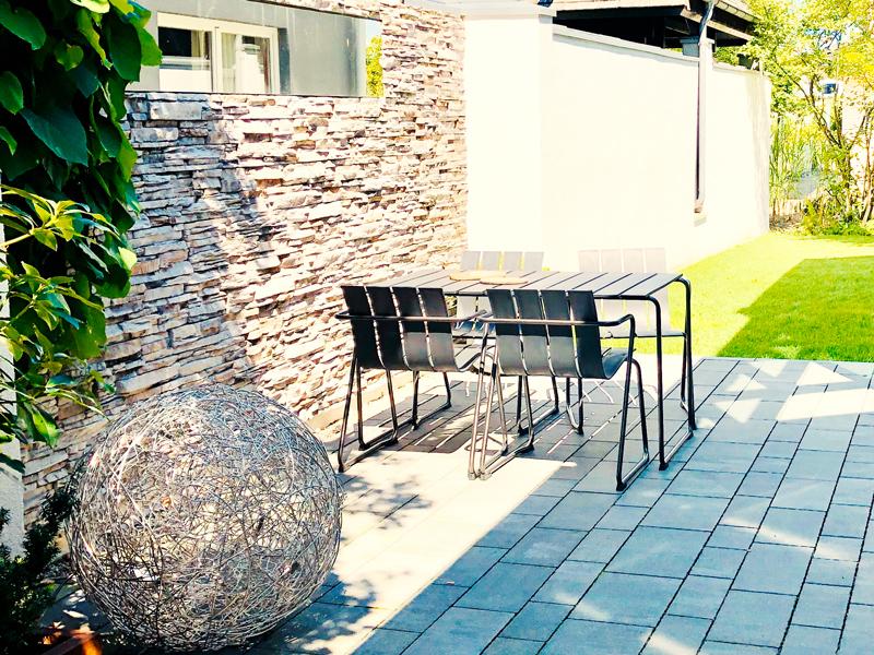 Stühle von Mater Design im Aumer Massivhaus Musterhaus München