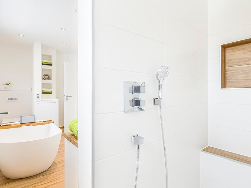 Aumer Massivhaus, Haus des Monats Juni, Bad und Dusche