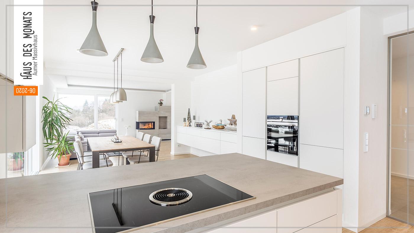Wohnraumtraum: Haus des Monats Juni 2020, Küche und Wohnzimmer